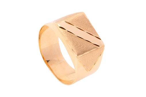 Qual a diferença do anel masculino ouro 18k?